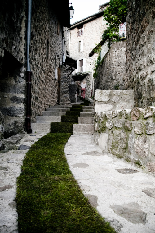 jewist:  The Green Carpet in Jaujac, France. Photo by David Monjou.