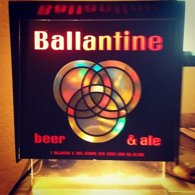 Does anyone know anything about #ballantinebeer or this motion #beerlamp.