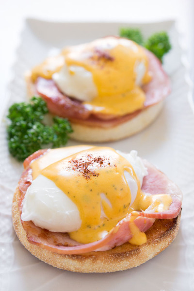 in-my-mouth:  Best Eggs Benedict