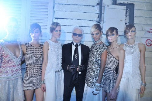 mirnah:  Karl Lagerfeld with models in looks from the Chanel Resort 2014 collection.Photo by Stephane Feugere.