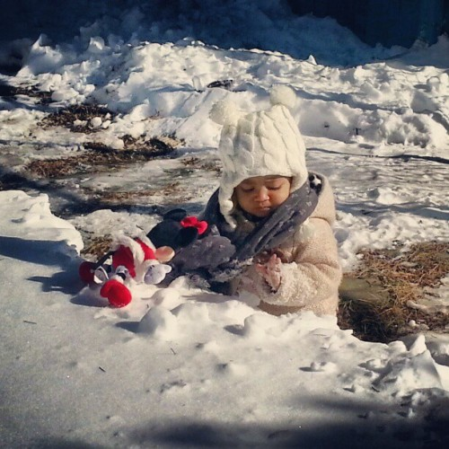 #Sophia is like wth is this snow? Lol #toodamncold #Rockland #NYC
