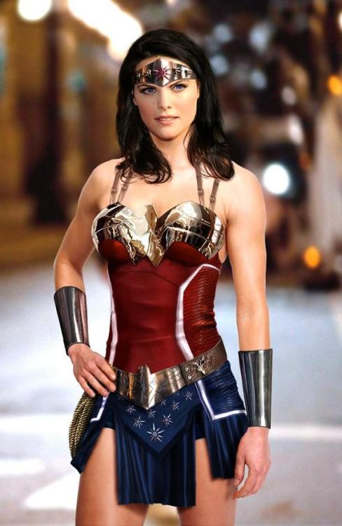 thehappysorceress:  yojabari:  Jamie Alexander as Wonder Woman  Well.  I've said this a gazillion times since seeing her as Sif in 'Thor'.
