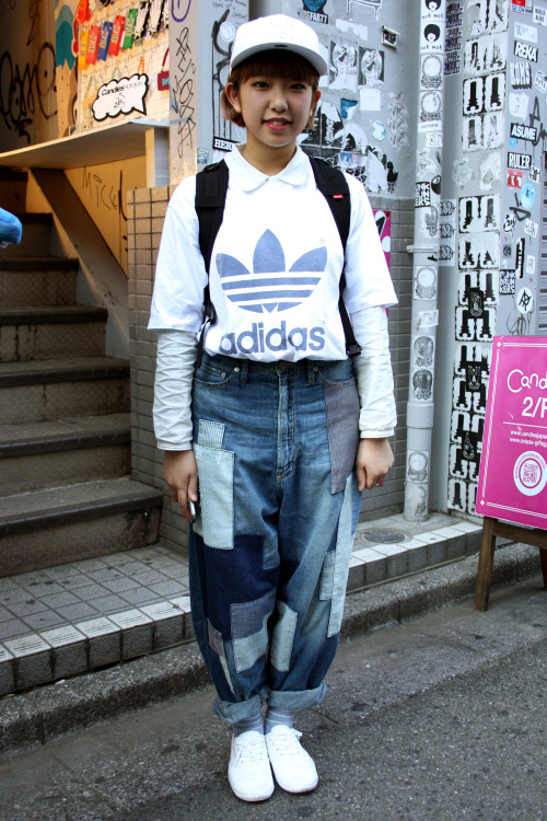 Contemporary boro patchwork denim and sportswear! <3 Tokyo street style!! WGSN street shot, Tokyo