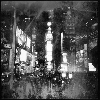 This New Year's Absence #timessquare #blackandwhite #bw #newyork #nyc #newyorkcity #newyears #creepy #snapseed #signalhill #iphoneonly #love #lowlight #4s #nye #city  (at Times Square)
