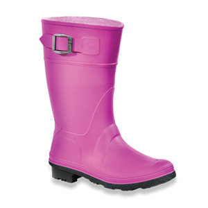 STYLE > Rubber boots in gumdrop colors Living in Vancouver, my kids go through rain gear - and specifically rubber boots - like candy on Halloween. Made in Canada of 100% recyclable synthetic rubber, these Kamik boots are made to last. My kids love them because they're easy-on, easy-off. I love them because it keeps their feet dry even when it's raining cats and dogs… which as anyone who lives in B.C. will tell you, is often. [ Raindrop boots, Kamik ]