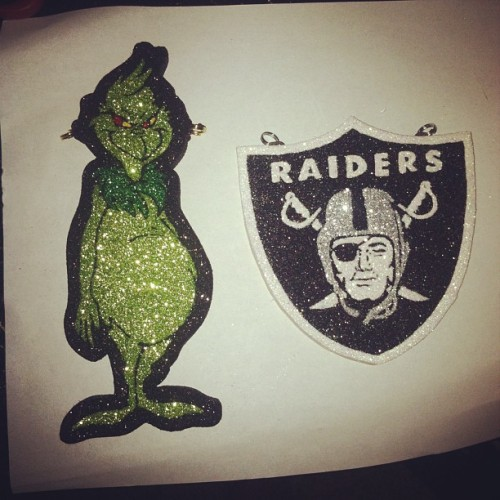 Oh snap ! Hah #thegrinch #raiders #oakland #bay #510 #blackhole #christmas #claydope #beast #best #based #lol