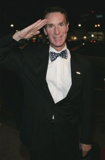 proud-atheist:  Bill Nye Booed In Texas For Saying The Moon Reflects The Sunhttp://proud-atheist.tumblr.com