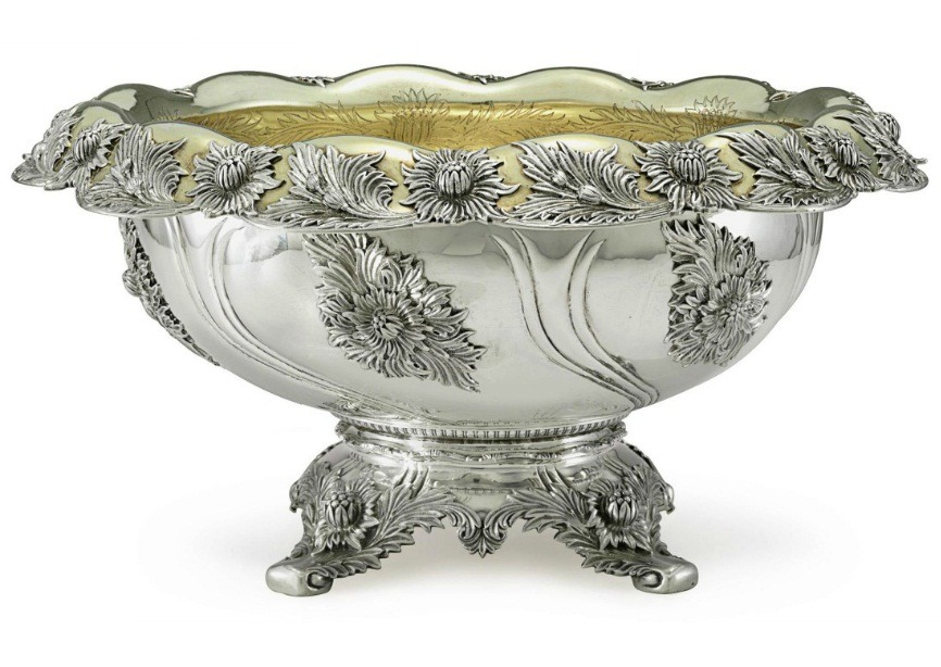 ktkeating:   highvictoriana:   Late Victorian parcel-gilt silver punch bowl by Tiffany.   Swoon…