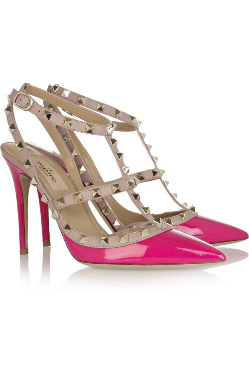 Hot shoe of the day: Valentino Rockstud patent leather pumps.
