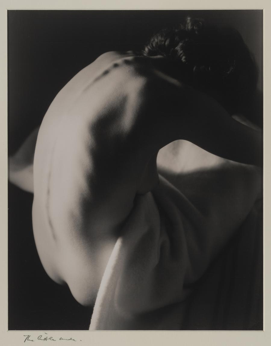 firsttimeuser:  The Little Nude, 1938 by Max Dupain