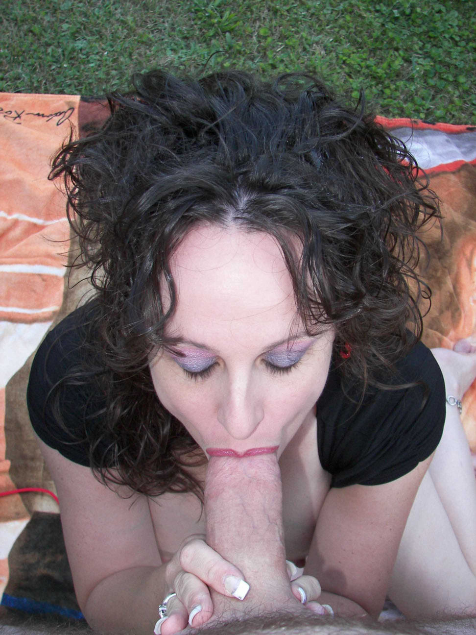 kinkywifemia:  mature cock whore Mia at it again.