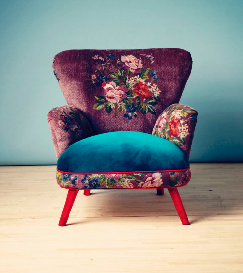 reachabovethetrees:  What a brilliantly upholstered chair!  WANT.