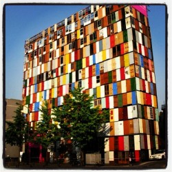 In honour of our 1,000th post - a building by Choi Jeong-hwa made from 1,000 doors. @VirginGames