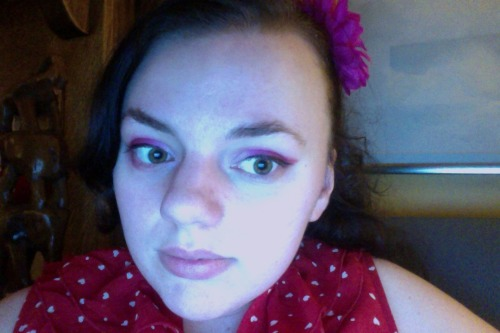 V-Day makeup… It's red on the outer corners, pink in the middle, and white on the inner corners. (Merci, Sugarpill!)