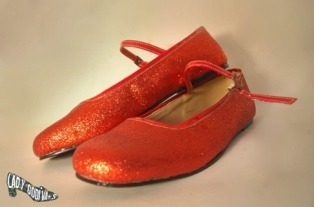 dreamshoesmakers:  Glänzen-Red FlatsAvailable in many colors