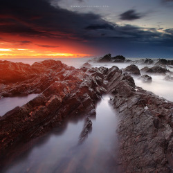 neptunesbounty:  Breaking Dawn (Explored) by Fakrul J on Flickr.