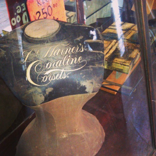 curiousumbrella:  @americadesigns (at America Antiques)