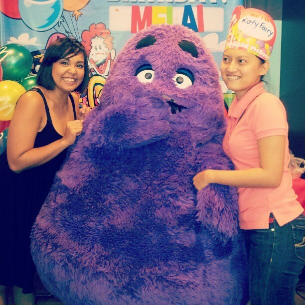 Me and Katy Fairy at my sisters' bday partehhhh #mcdo #grimace