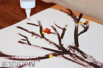 Hole Punch Autumn Tree {CRAFT TUTORIAL} #fall #kids