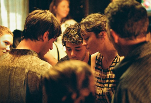tumblr of3xvi7Ww91rupgj7o5 500 pickledelephant: Xavier Dolan with cast and crew while filming...