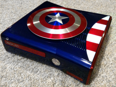 laughingsquid:  Custom Modified Captain America Themed Xbox 360 Console