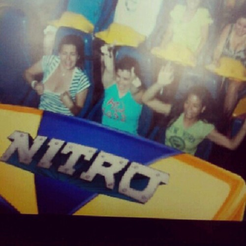 #tbt #sixflags #nitro #flashing #goodtimes @karinasahmazing