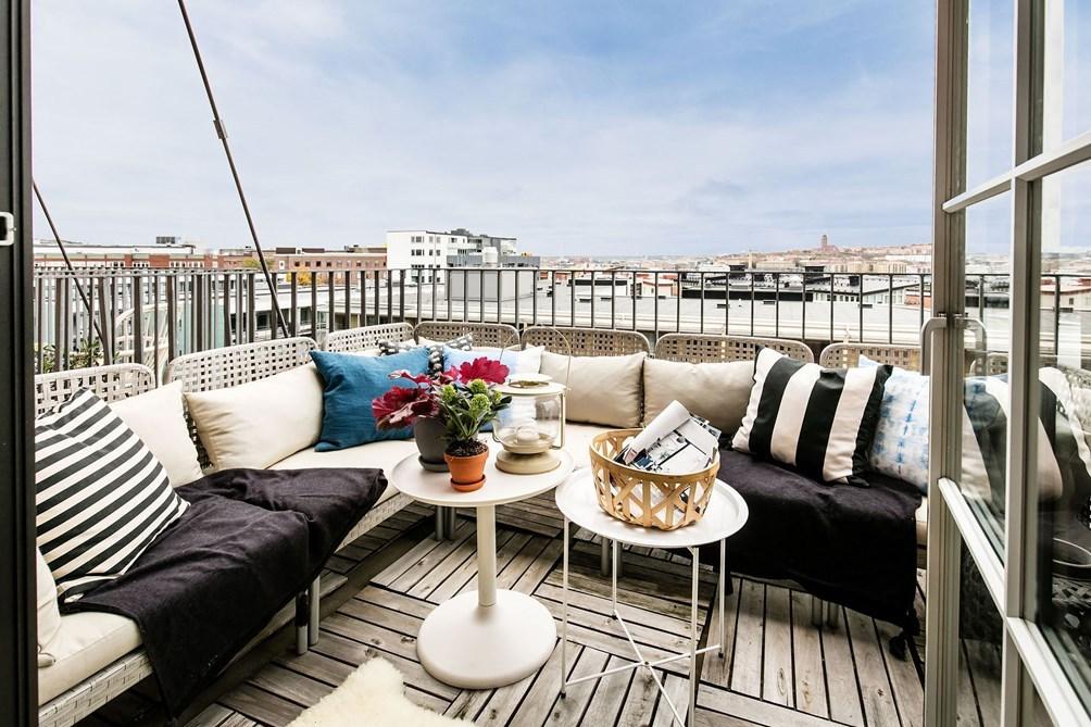 girlwiththeredcheeks - Scandinavian apartment    Follow Gravity Home: Blog - Instagram - Pinterest - Facebook - Shop