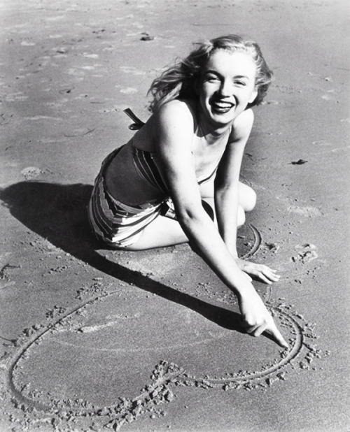 Marilyn Monroe photographed by Joseph Jasgur, 1946