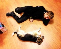mikelangelokey:  Let's take a rest.. :)  *dies of cute*