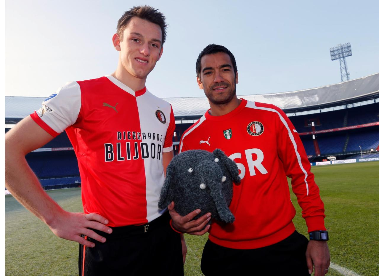 Rotterdam Zoo (Diergaarde Blijdorp) is new sponsor for Feyenoord soccer team, with the compliments of ASR. VERTOV is really excited to be part of this exciting campaign, rolling out this weekend, set up by main sponsor ASR as a way to support the lovely Rotterdam Zoo. Stay tuned for all updates on facebook.com/feyblij or on Twitter hashtag #Feyblij. Campaign by advertising agency John Doe, supported by us together with Coebergh Communicatie & PR.