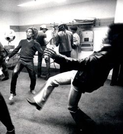 flump-nugget:  Bob Marley & Jimi Hendrix playing football