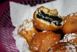 fatty-food:  Deep fried oreos