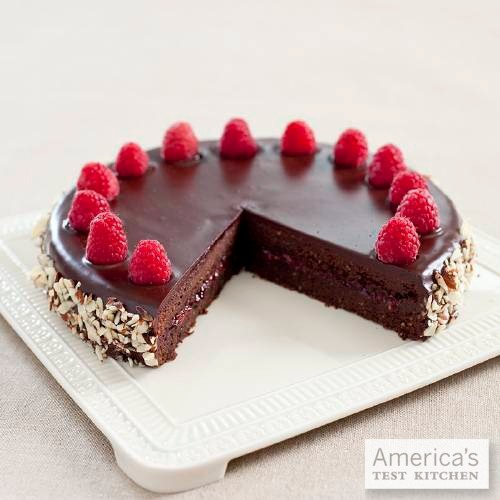 We think this week is the perfect excuse for our Chocolate-Raspberry Torte.