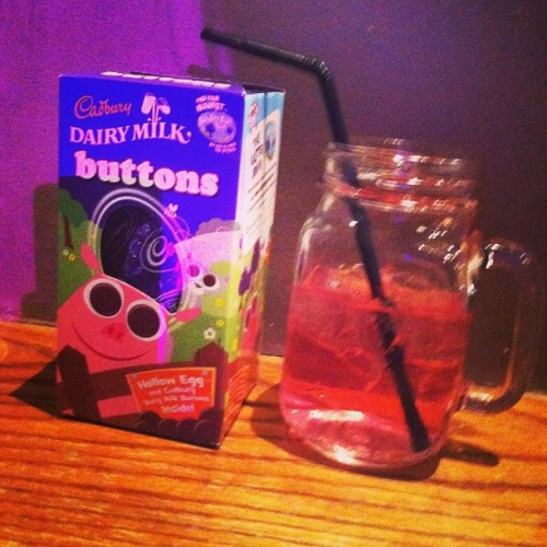 Jam jar cocktails and free Easter egg, last night was a win :) #easteregg