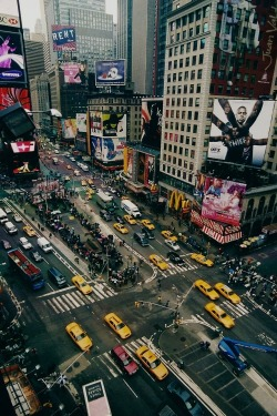pursuable:  Times Square by sonofwalrus on Flickr.