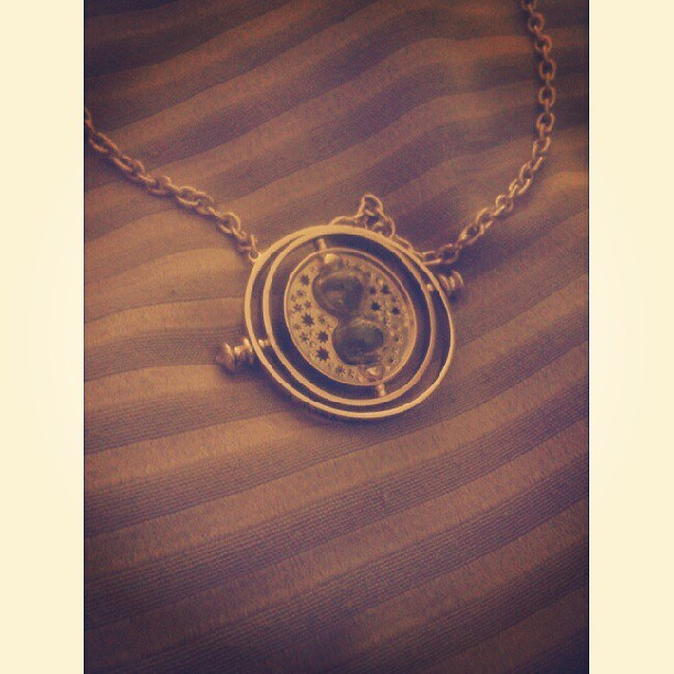 How did Hermione's time turner get here?! Chosss! Bought this for my brother. Sumakit rin ulo ko sa presyo :/ haha