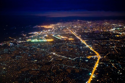 fellowallflower:  Manila at night. Stunning!