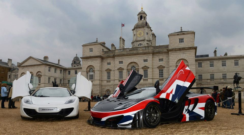 McLaren's GREAT 12C GT3 at Horseguards Parade in London!