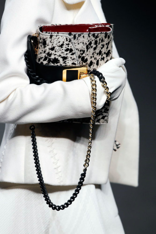 #MilanFashionWeek has officially began! Loving this #AngeloMarani handbag #MFW
