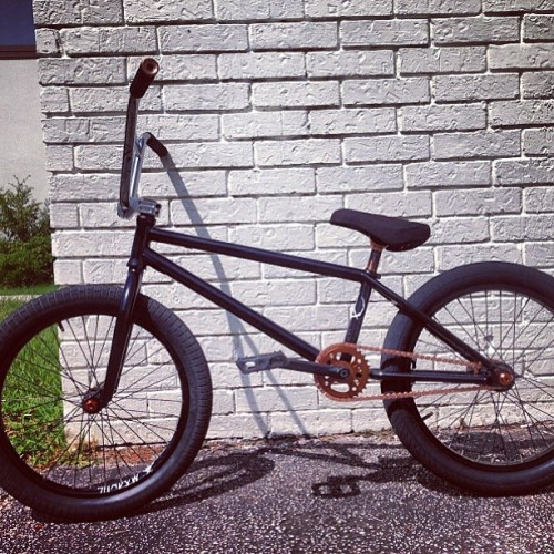 Damn! Black and Copper Subrosa Noster built up by @beaboutitbmx Looks so good man! #shoutoutmysubrosa #subrosabrand