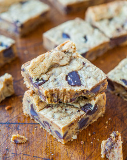 recipeheaven:  Peanut Butter Chocolate Chunk Cookie Bars