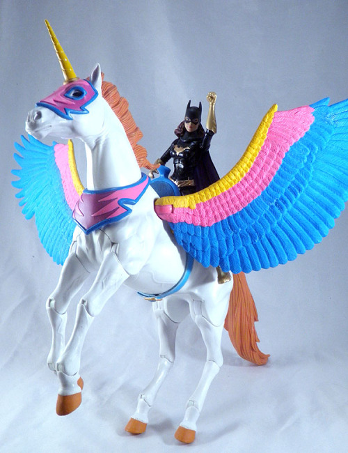 thepierglass:  itswalky:  i think i have a story pitch for dc  TEAM UNICORN!