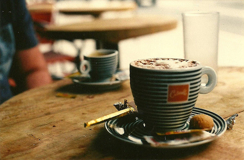 wildstag:  café da tarde by camilasvenson, on Flickr.