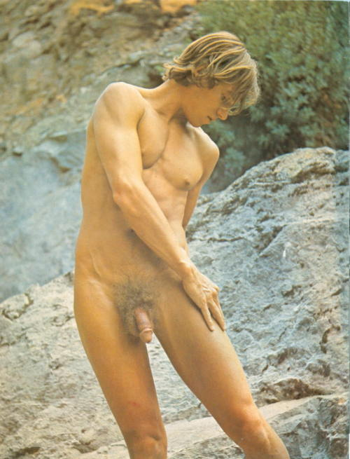 vintagemalebeefcake:  PHOTO # 3842 DEAN CHASSON