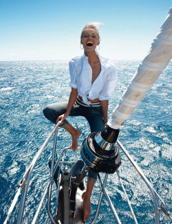 encantamoda:  fashionfaves:   Edita Vilkeviciute by Gilles Bensimon for Vogue Paris   wow so beautiful