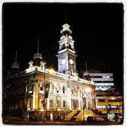 Town Hall by night#oamarusteampunkroadtrp #dunedin (at Dunedin Town Hall)