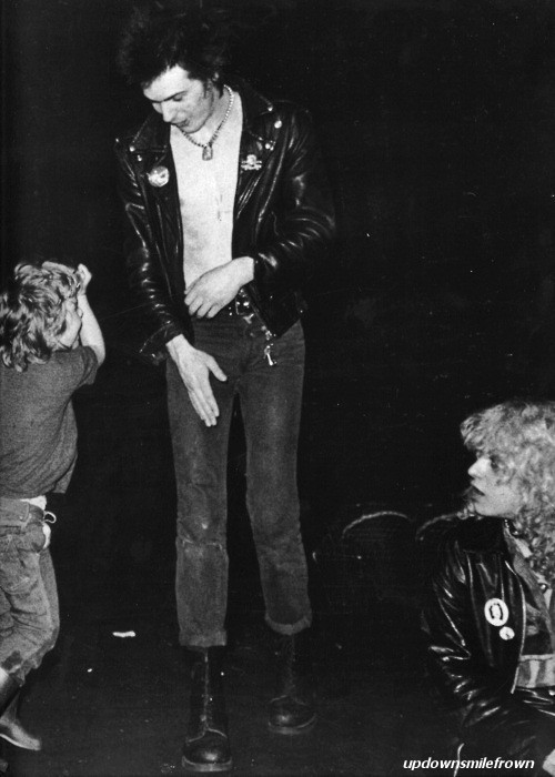 updownsmilefrown:  Sid Vicious dancing with children, 1970s