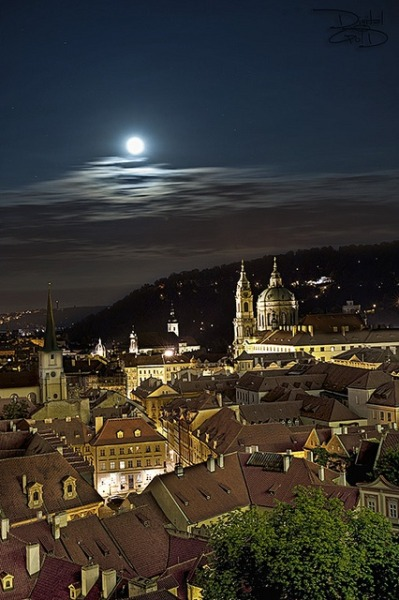 thepaintedbench:   Prague, Czech Republic  a magic destination, isn't true?