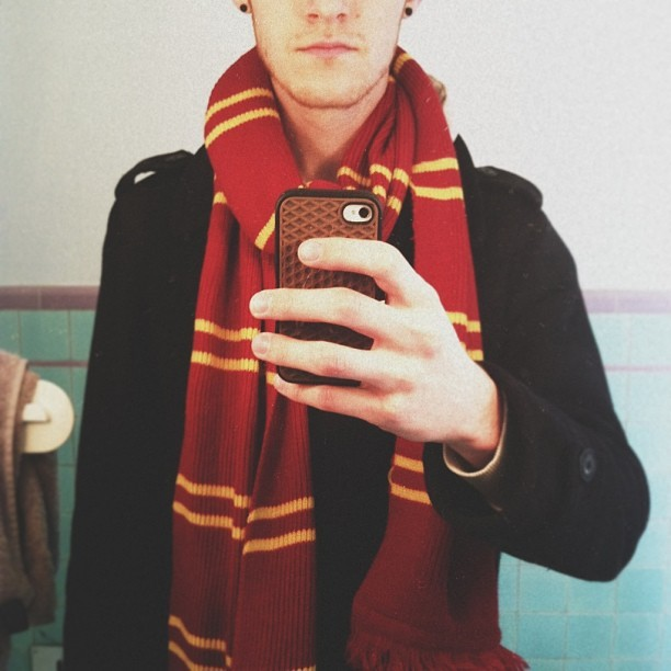 Gryffindor scarf kind of day. Instagram: nicholasmoegly