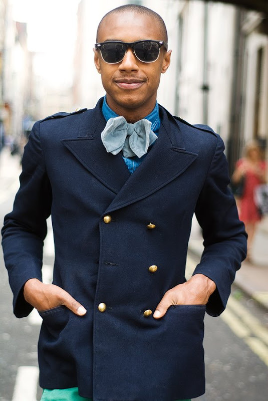mrbeautie:  Photo: The giant bow tie.